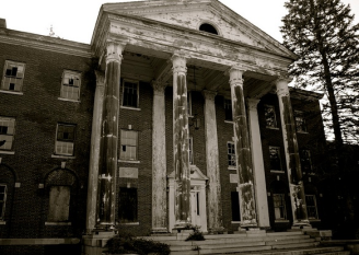 Fairfield State Hospital image via spookyplaces.us