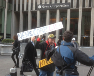News Corp Uses NYPD Cops via jimromenesko.com