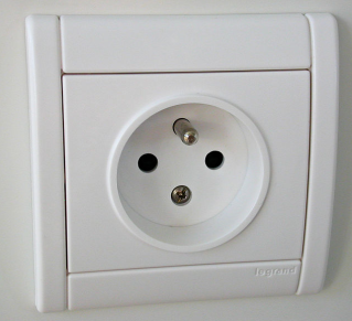 electric plug via wikipedia