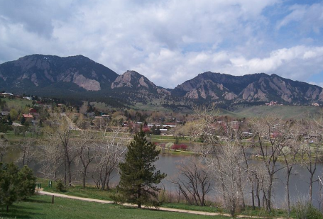 Boulder Colorado via Kyle via Wikimedia commons