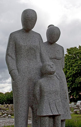 Paupers Memorial in West Bromwhich, UK via Wikimedia Commons